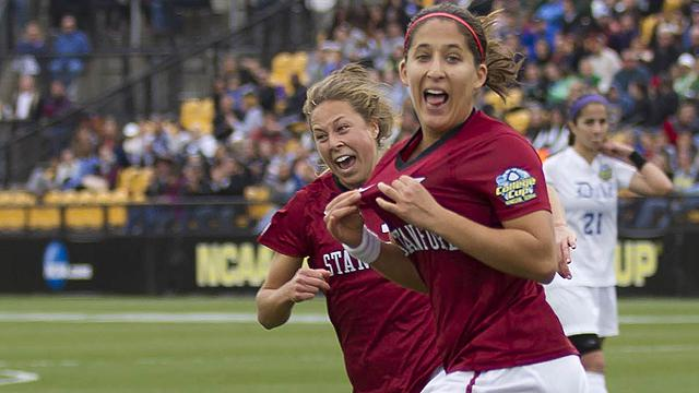 Teresa Noyola (right) won a championship at Stanford and gets closer to NWSL playoff with trade to Kansas City