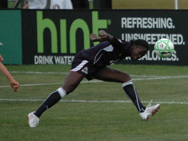 Defender Tina Ellertson was signed by Portland on July 31.
