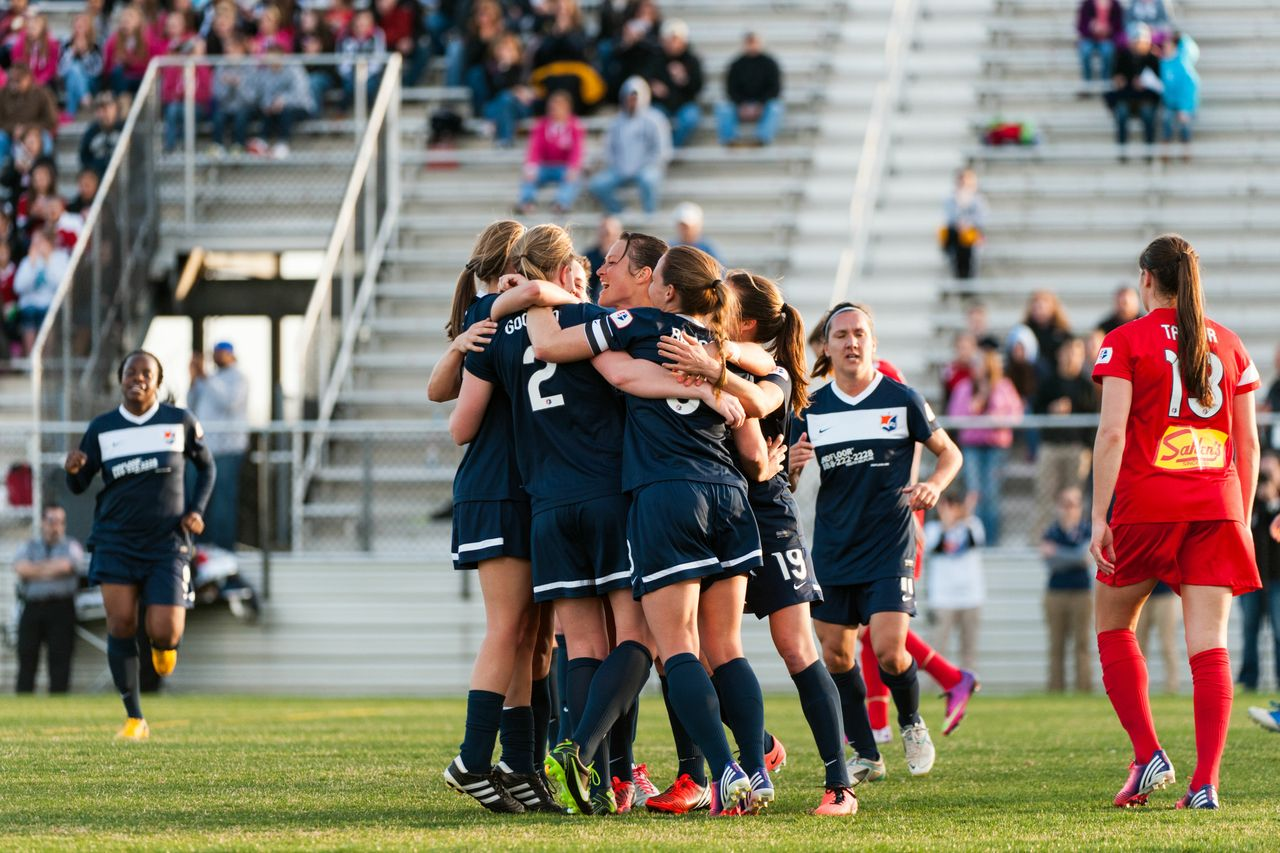 Sky blue fc celebrates its game winning goal vs the western new york
