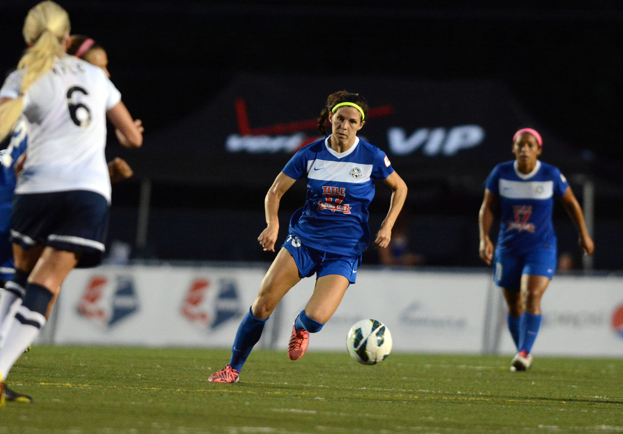 Erika Tymrak scored a goal for the all-time highlight reel, but the Dash had the last strike in a 2-2 draw. (Photo Copyright FC Kansas City/John Rieger)