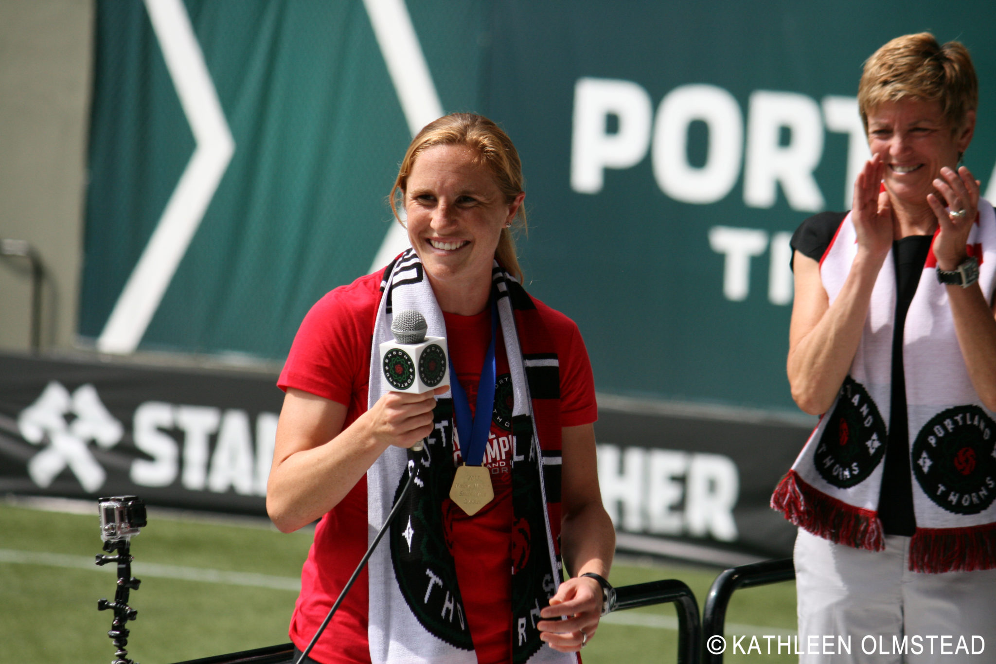 Rachel Buehler flew back from DC to celebrate the NWSL Championship win with fans. (Photo copyright Kathleen Olmstead for The Equalizer.)