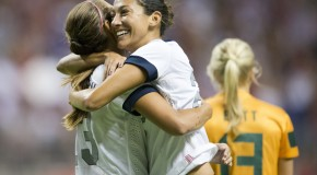 US women cruise past Australia, 4-0 (highlights)