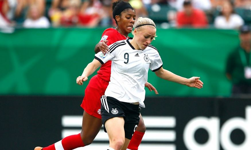 Pauline Bremer scored the game-winner to lift Germany into the semifinals. (Getty Images)