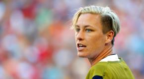 Wambach says she, US would score more on grass