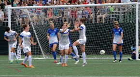 Reign win third straight, extend Breakers' misery