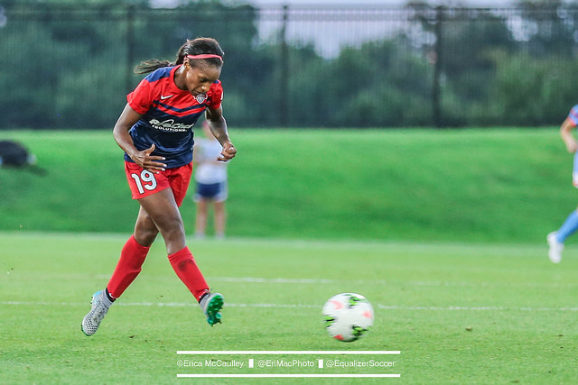 Crystal Dunn tallied her fifth assist on the season against the Flash. (photo copyright EriMac Photo for The Equalizer)