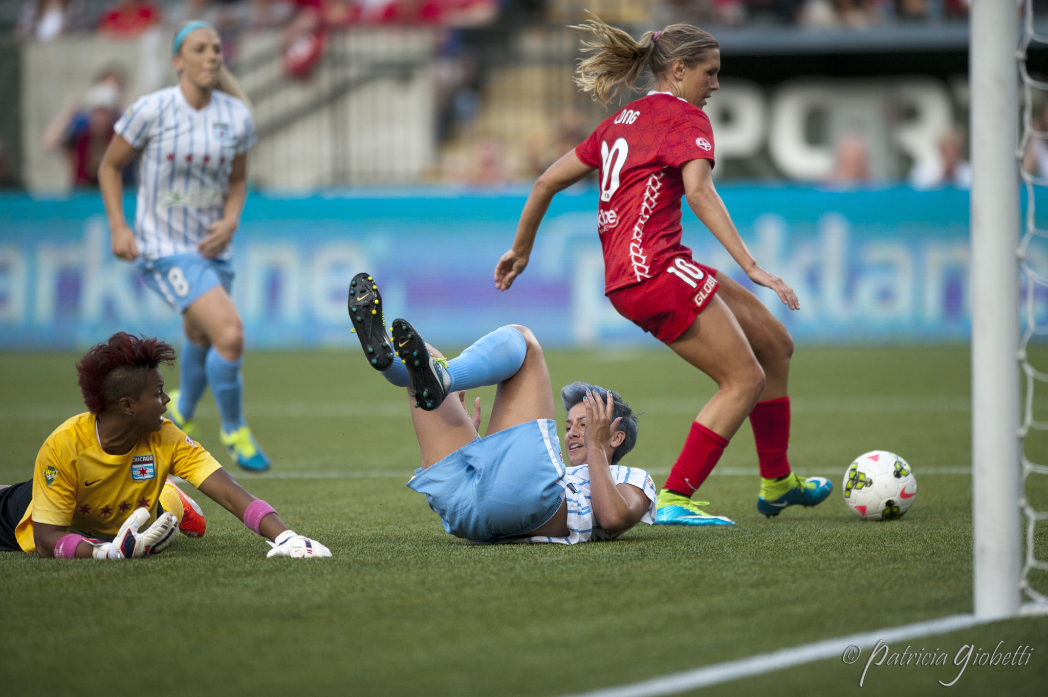 Allie Long scores against Chicago. (Photo Copyright Patricia Giobetti for The Equalizer)