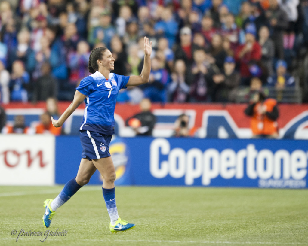 Shannon Boxx walks off the field for the USWNT for the final time. (Photo Copyright Patricia Giobetti for The Equalizer)