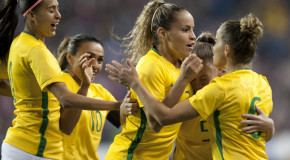 Mônica lifts Brazil past Canada in Natal final