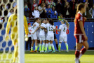 Lloyd's goal just barely lifts USWNT past Mexico