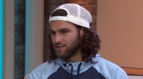 USMNT's Zusi stumbles over equal pay questions