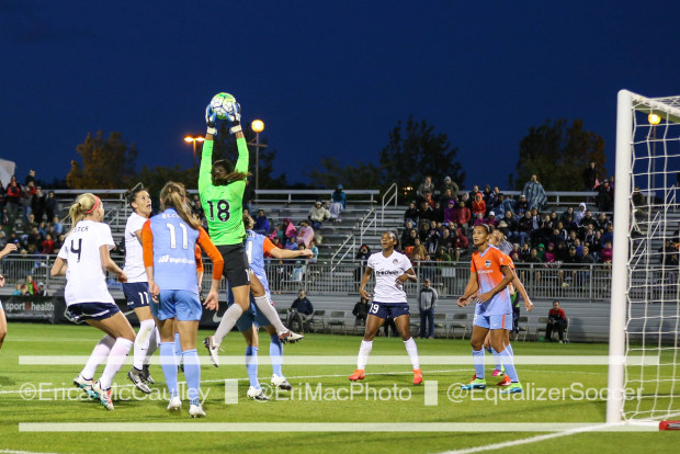Dash keeper Lydia Williams made several great saves on Saturday helping keep NWSL attackers stymied (photo copyright EriMac Photo for The Equalizer)