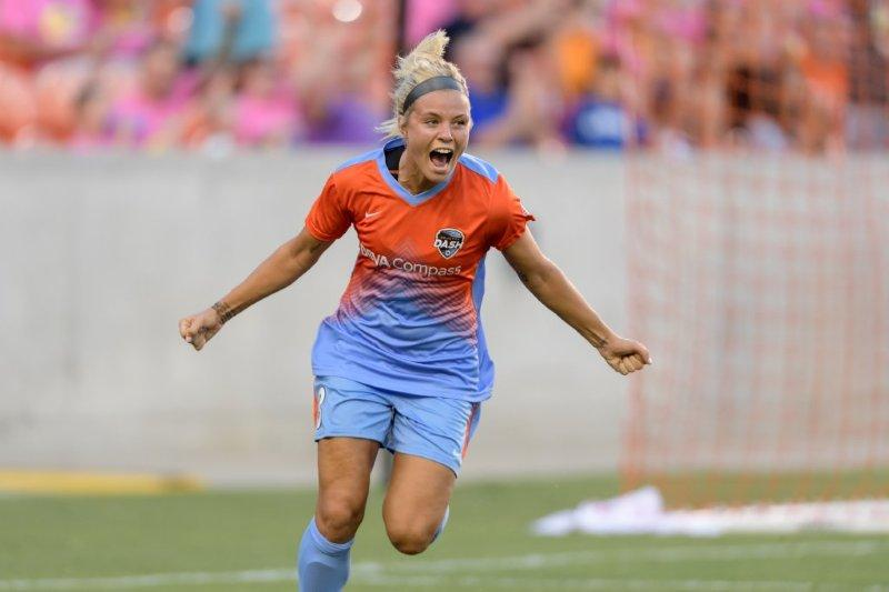 Rachel Daly scored Houston's first goal in their 2-1 win over FCKC.  (photo courtesy Houston Dash)