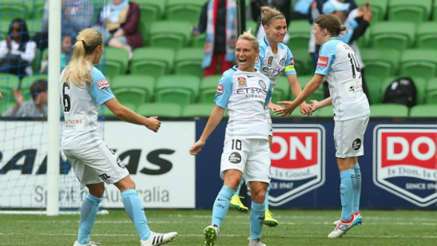 Jess Fishlock's brace kept Melbourne perfect on the season and in control of city bragging rights. (Photo: Westfield W-League)