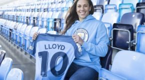 Carli Lloyd officially signs with Manchester City