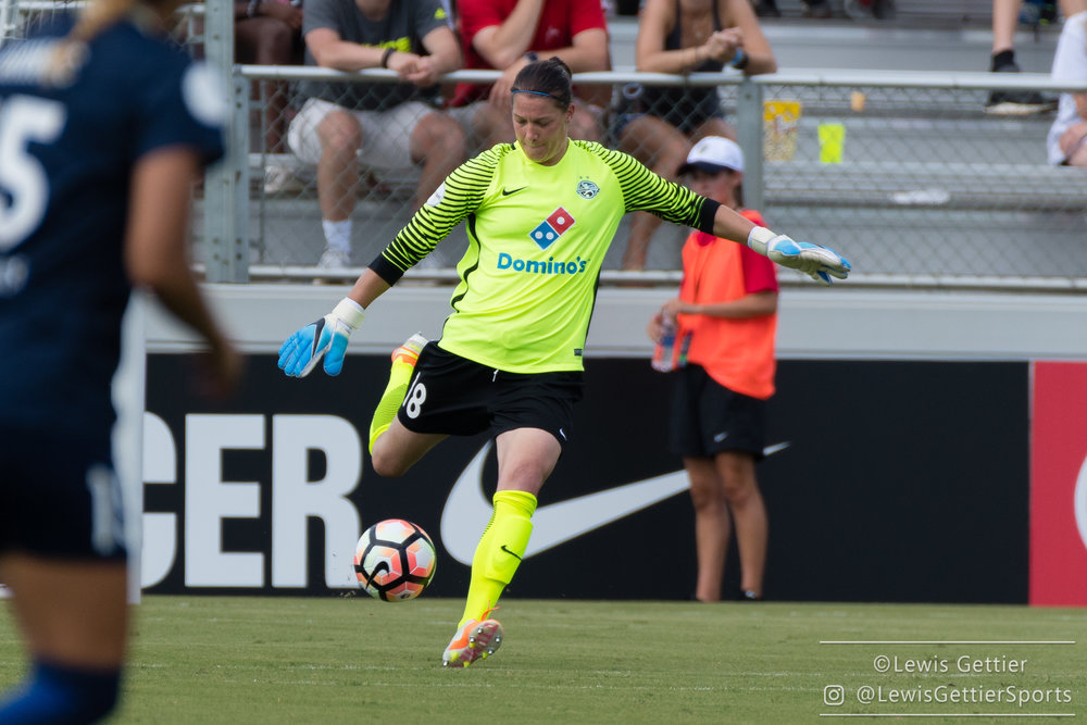 Nicole Barnhart has been a perennial force in net for FCKC. (photo copyright Lewis Gettier)