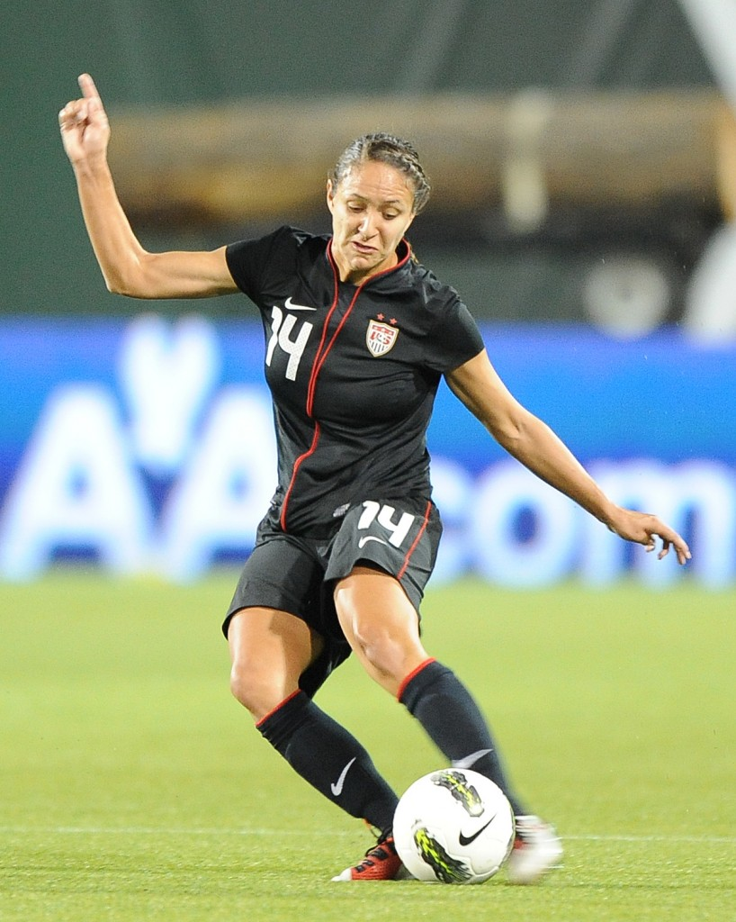 Women's soccer players connect through faith – Equalizer ...