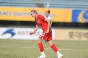 Kelly Smith says English women's soccer is on par with the United States.