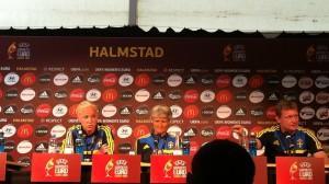 Sweden midfielder Caroline Seger and coach Pia Sundhage. (Photo Copyright Harjeet Johal for The Equalizer)