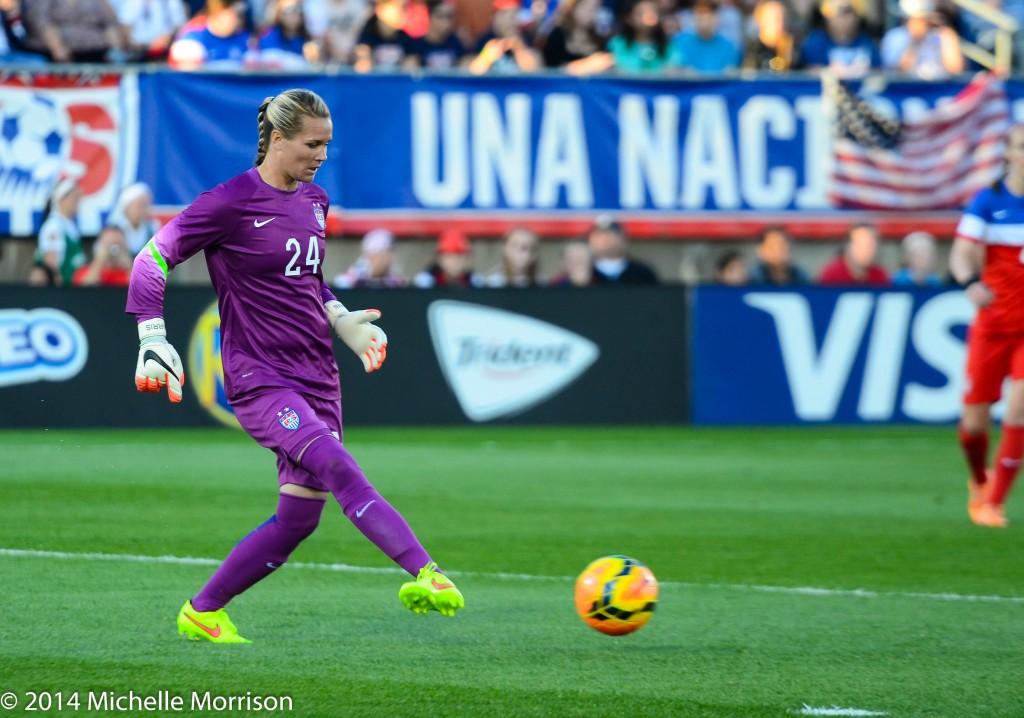 Ashlyn Harris starts in net for the U.S. vs. France. (Photo Courtesy Michelle Morrison, The Soccer Desk)