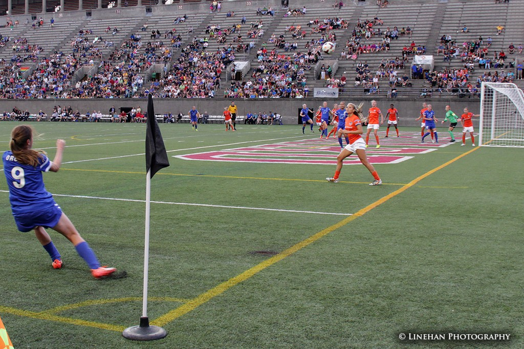 Heather O'Reilly takes a corner kick. (Photo Copyright Clark Linehan for The Equalizer)