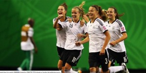 Lena Petermann (center) has left UCF to turn pro. (Getty Images)