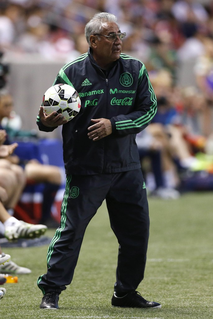 Mexico coach Leo Cuellar has his eyes on the 2015 World Cup, but is also planning around 2019. (Getty Images)