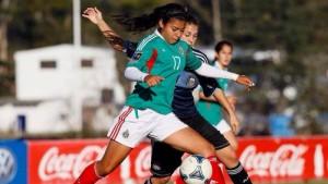Amanda Perez has extensive experience with Mexico at the youth level. (Photo University of Washington athletics)