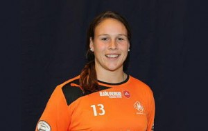 American goalkeeper Katie Fraine is making a name for herself in Sweden.