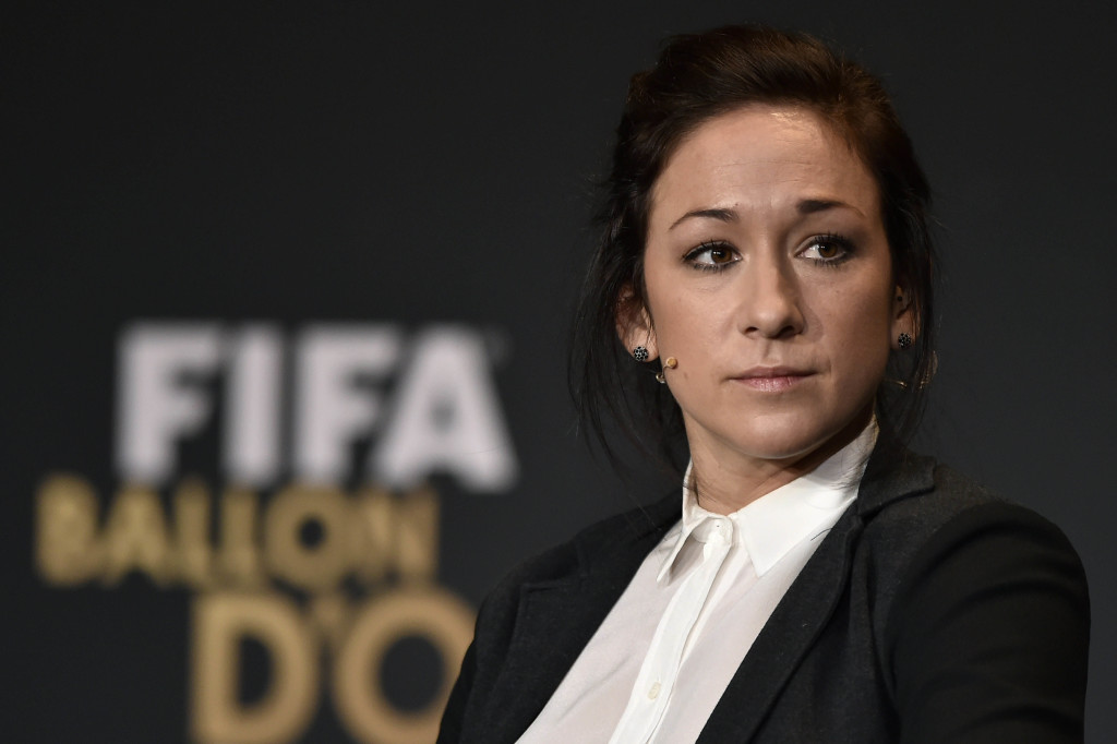 Nadine Keßler needs knee surgery and is in doubt for the World Cup. (Getty Images)