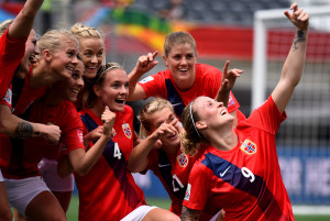 Norway players take team selfie during World Cup opening win over Thailand. (Getty Images)