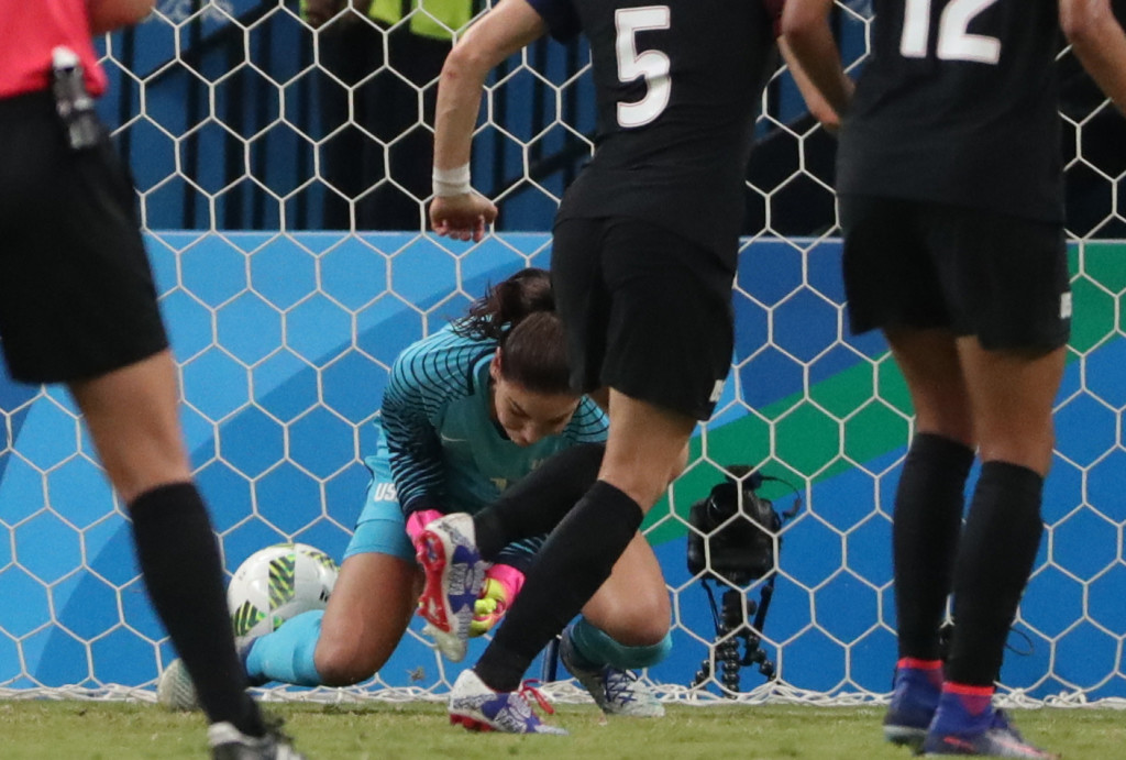 A rare howler from Hope Solo highlighted a strange night for the USWNT in a 2-2 draw with Colombia. (USA Today Images)