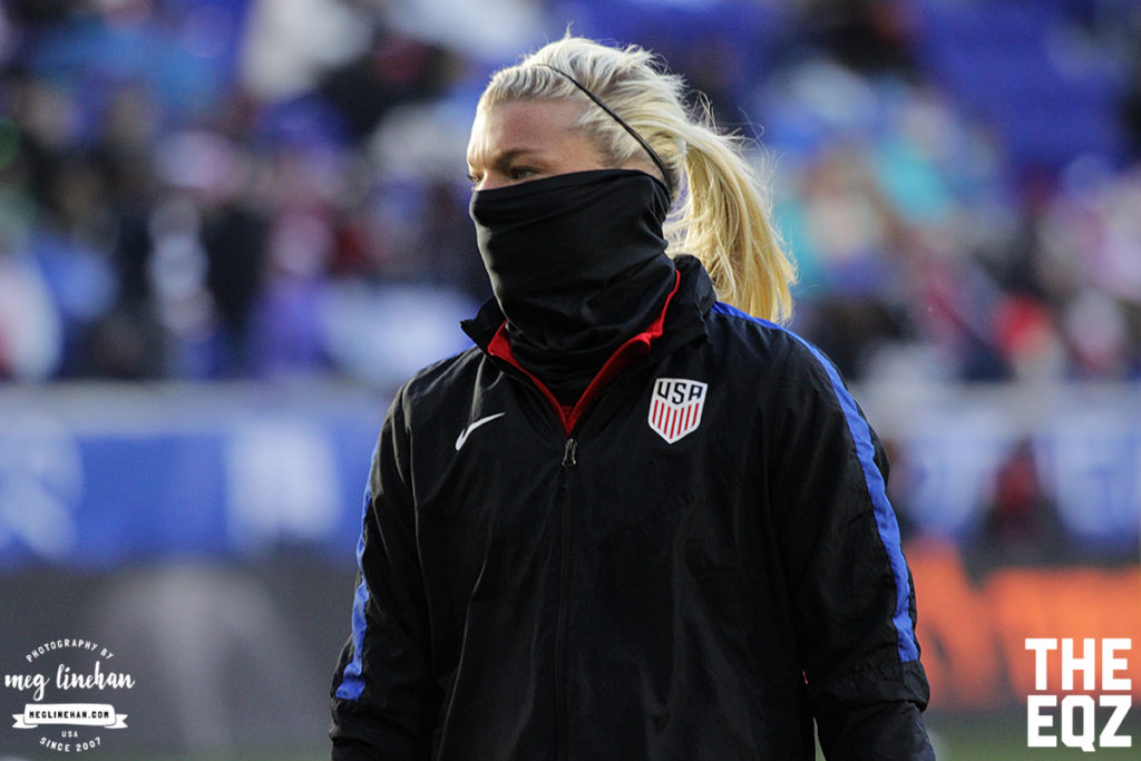 Goalkeeper Jane Campbell bundled up for warm-ups during the freezing temperatures on Saturday at Red Bull Arena. (MEG LINEHAN/Equalizer Soccer)