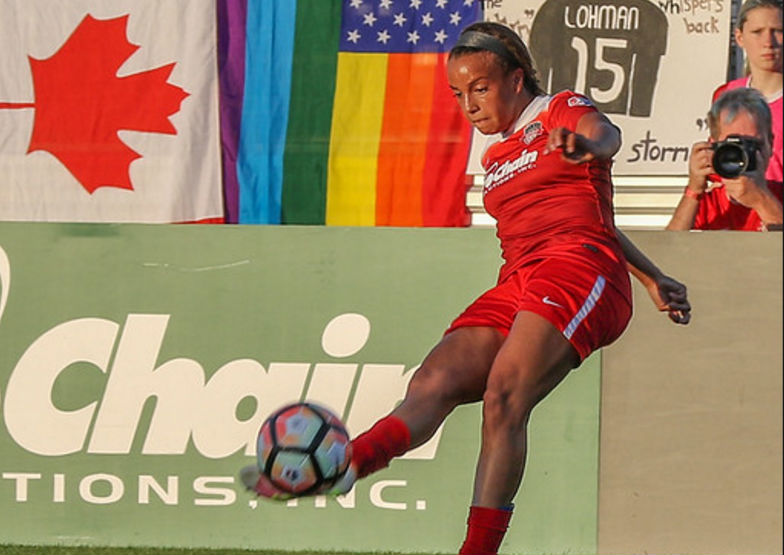 Mallory Pugh plays in front of Pride flags at Maryland SoccerPlex. (photo copyright EriMac Photo for The Equalizer)
