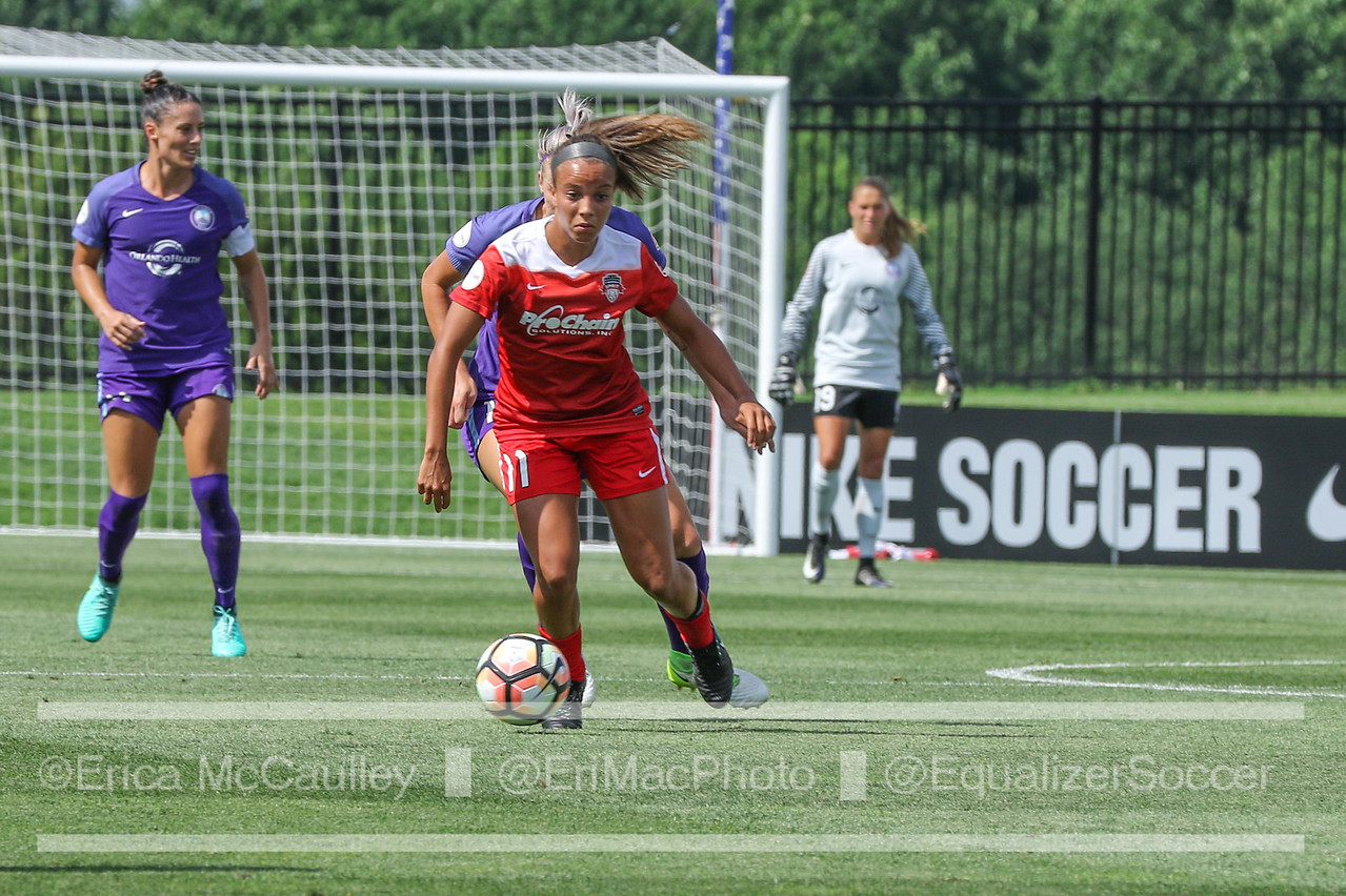 Mallory Pugh surveying options against the Orlando Pride. Her 90th minute PK gave the Spirit a point and Pugh her first NWSL brace (photo copyright EriMac Photo for The Equalizer)